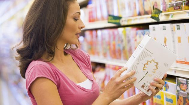 Una dieta ricca di alimenti che forniscono fibre, come frutta, verdura, pasta e riso integrali, è la scelta più indicata. Leggi i consigli del dott Mario Petracca di come prevenire il problema delle emorroidi.